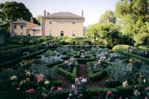 tudorplace_garden_0