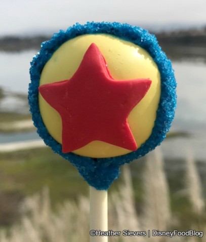 Pixar-Fest-Luxor-Ball-Cake-Pop-510x600