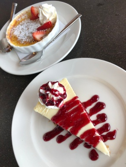 Cheesecake with Raspberry Coulis